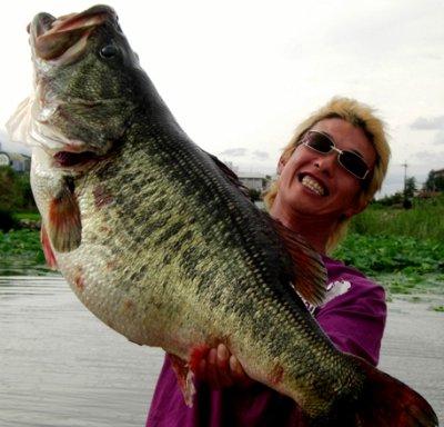 official world record largemouth bass tie Manabu Karita
