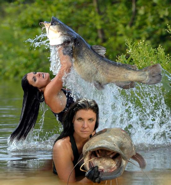 Sexy Woman Angie Fox Catfish Noodling