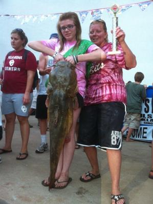 My Wifes Team Okie Noodling Tournament Top Female Noodler 44lb Flathead